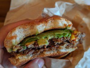 キャンティーナ23のハンバーガー