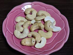 素焼きカシューナッツ